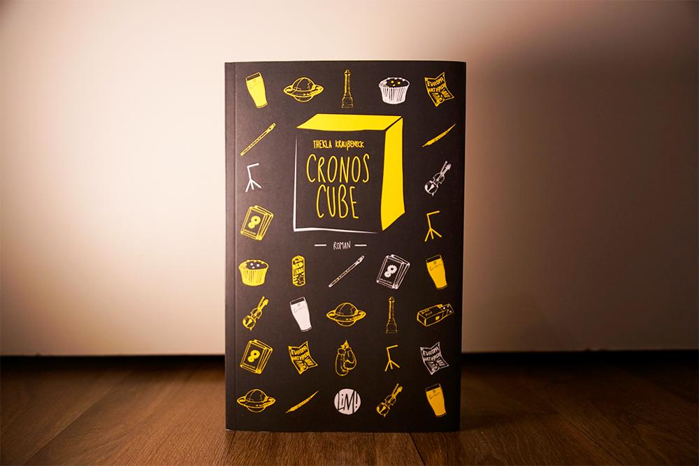 Altes Buchcover zu Cronos Cube vom liesmich Verlag, Foto: Kia Kahawa