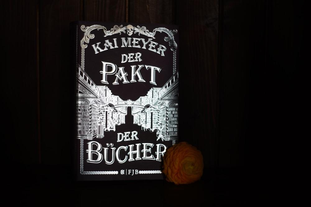 Der Pakt der Bücher im Dunkeln, Foto: Wiebke Tillenburg